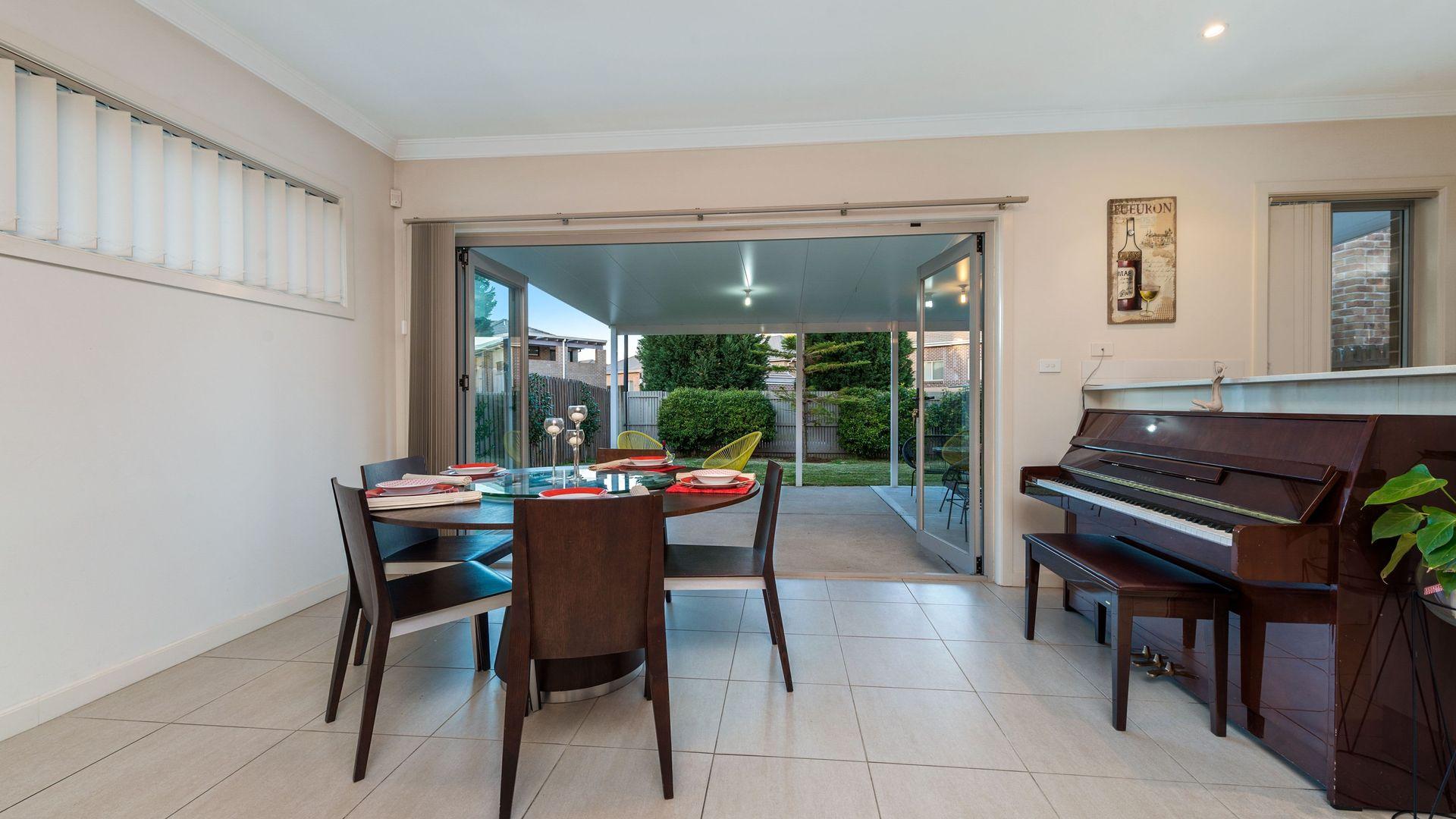 18 Epsam Avenue, Stanhope Gardens NSW 2768, Image 2