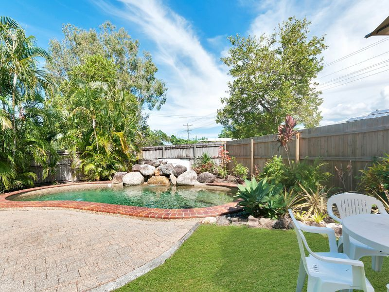 2/1 Hollett Close, Manunda QLD 4870, Image 1