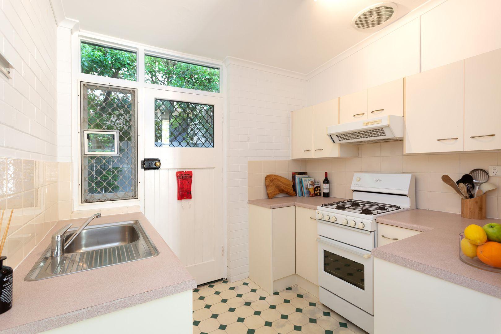 3/76 Alpha Street, Taringa QLD 4068, Image 1