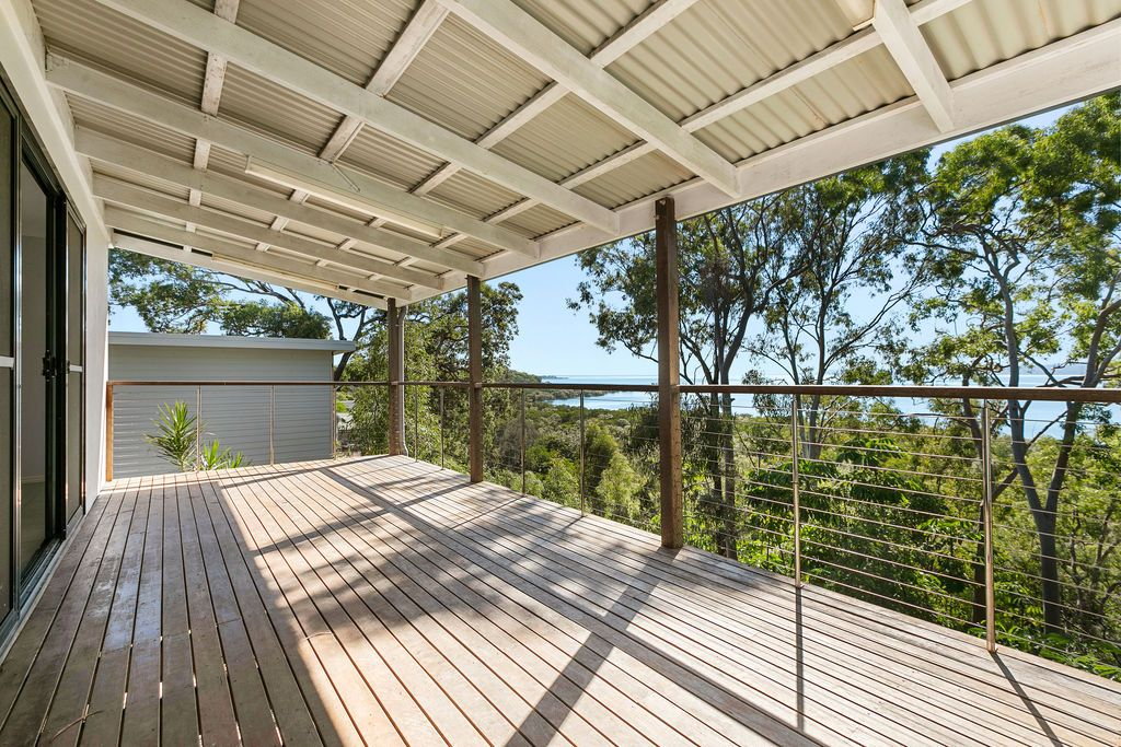 36 Blue Waters Crescent, Macleay Island QLD 4184, Image 1