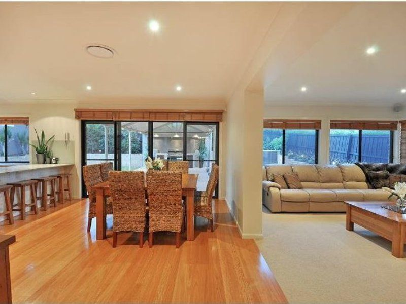 39 Sanctuary Drive, Beaumont Hills NSW 2155, Image 2