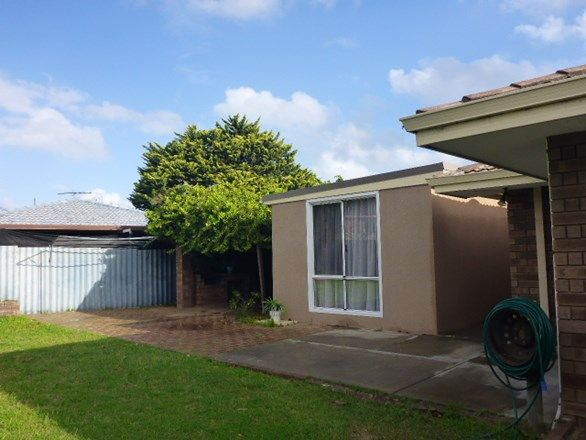 2 Galleon Road, Beldon WA 6027, Image 2