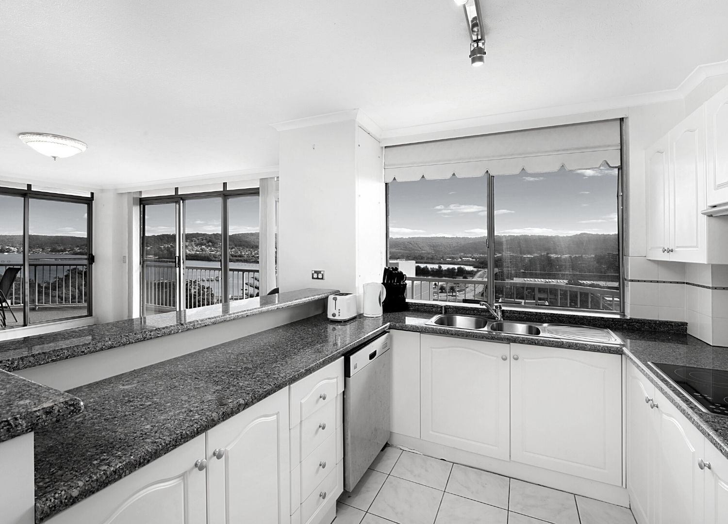 32/127-129 Georgiana Terrace, Gosford NSW 2250, Image 2