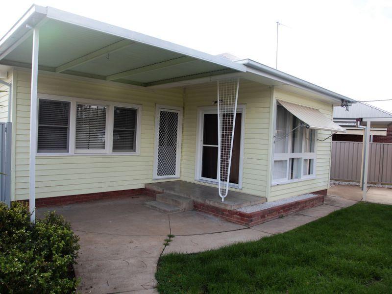 41 Lindsay Street, Turvey Park NSW 2650, Image 0