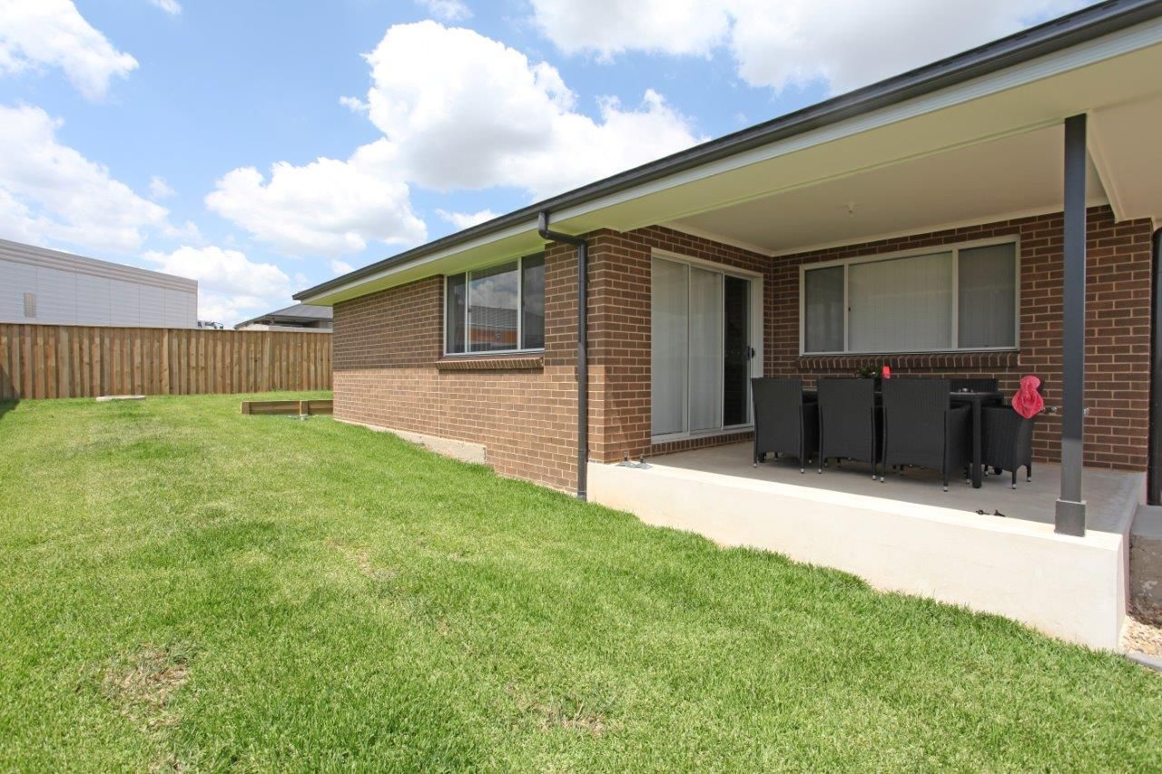11 Matich Place, Oran Park NSW 2570, Image 2