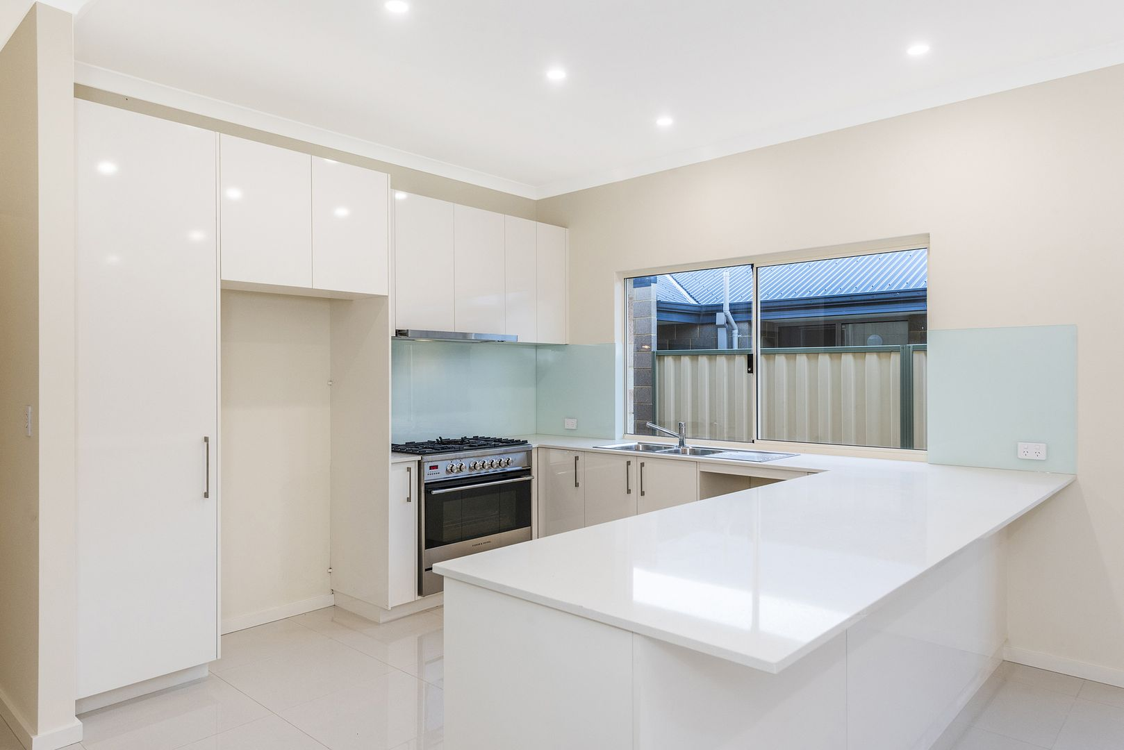 16A & 16B Vahland Avenue, Riverton WA 6148, Image 2