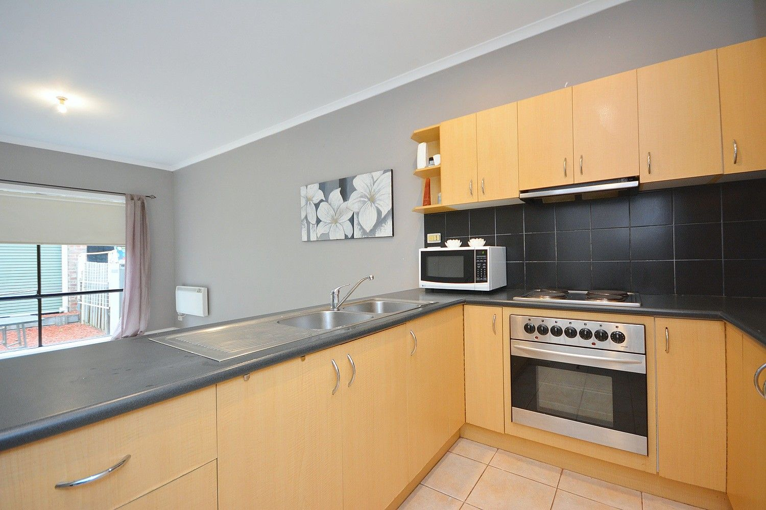 55 Coopers Hill Drive, Westmeadows VIC 3049, Image 2