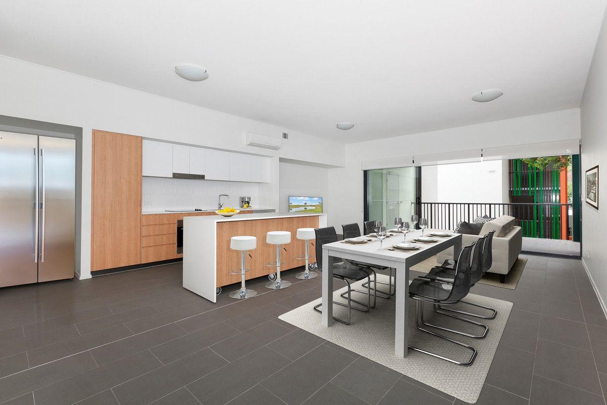17/2-4 Garden Terrace, Newmarket QLD 4051, Image 0