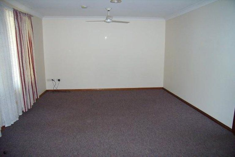 32 Victoria St, Forest Hill QLD 4342, Image 2