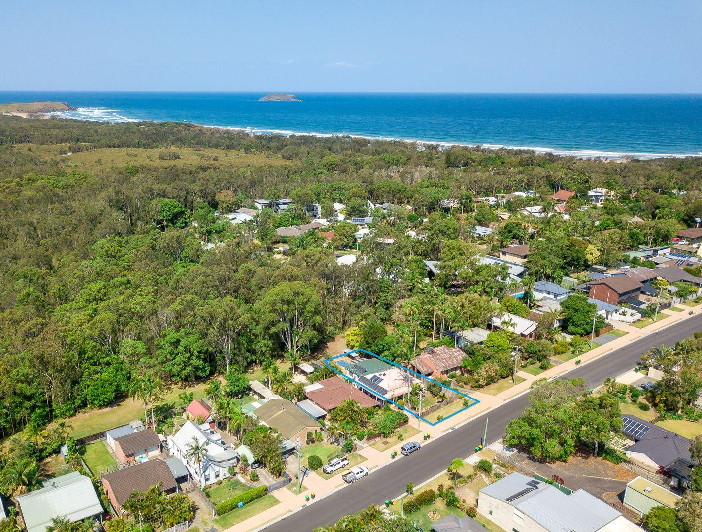 51 Fiddaman Road, Emerald Beach NSW 2456, Image 2