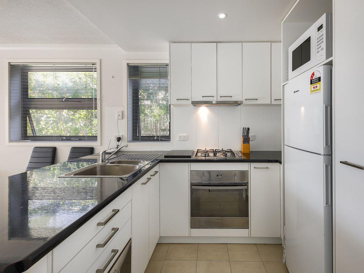 2/36 Stopford Street, Wooloowin QLD 4030, Image 1