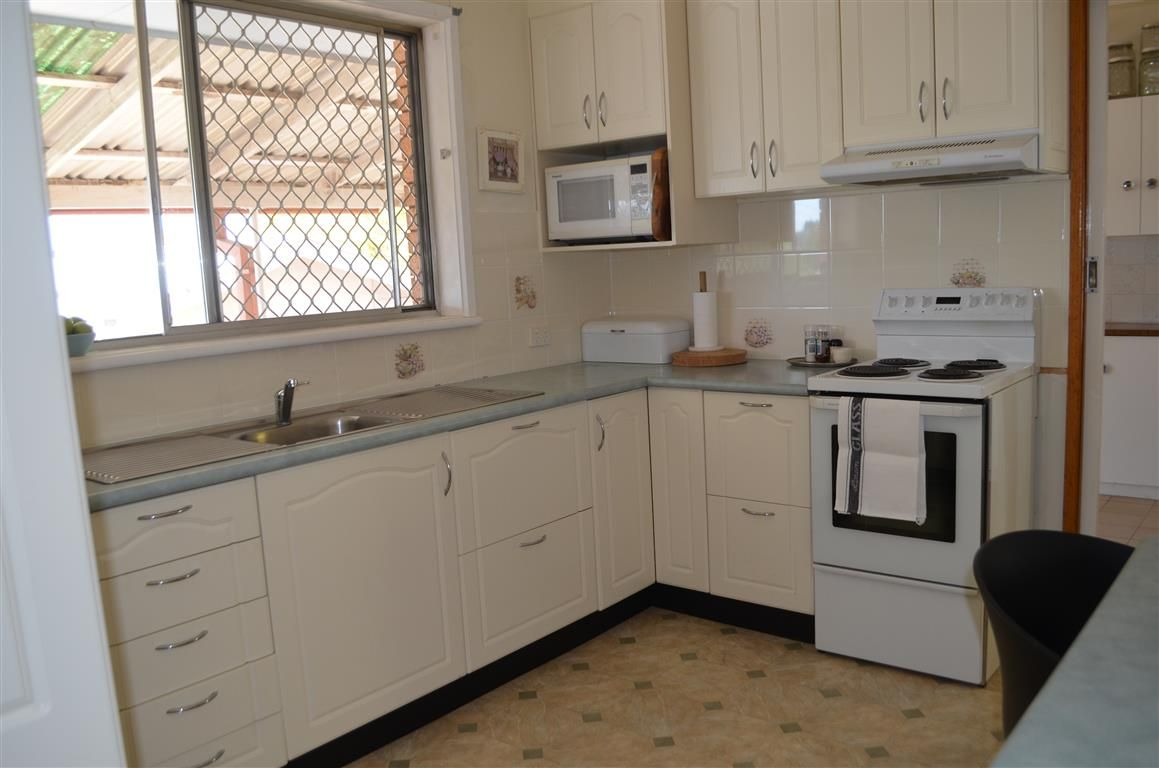 96 Simpson Street, Tumut NSW 2720, Image 1