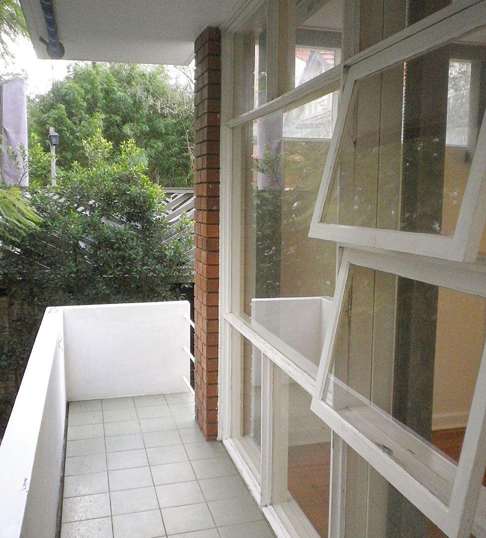 Unit 2/1 Spruson Street, Neutral Bay NSW 2089, Image 2