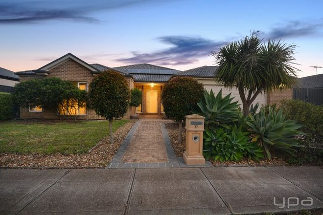 Picture of 17 Connewarre Close, MANOR LAKES VIC 3024