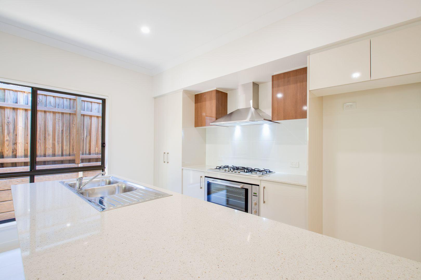 9 Carlos Street, Ripley QLD 4306, Image 2
