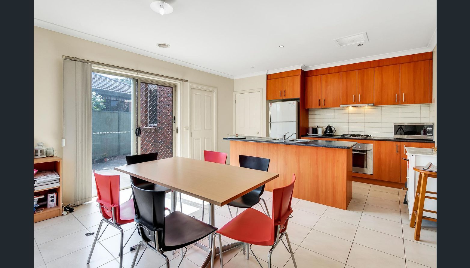 2/2 Don Avenue, Hoppers Crossing VIC 3029, Image 2