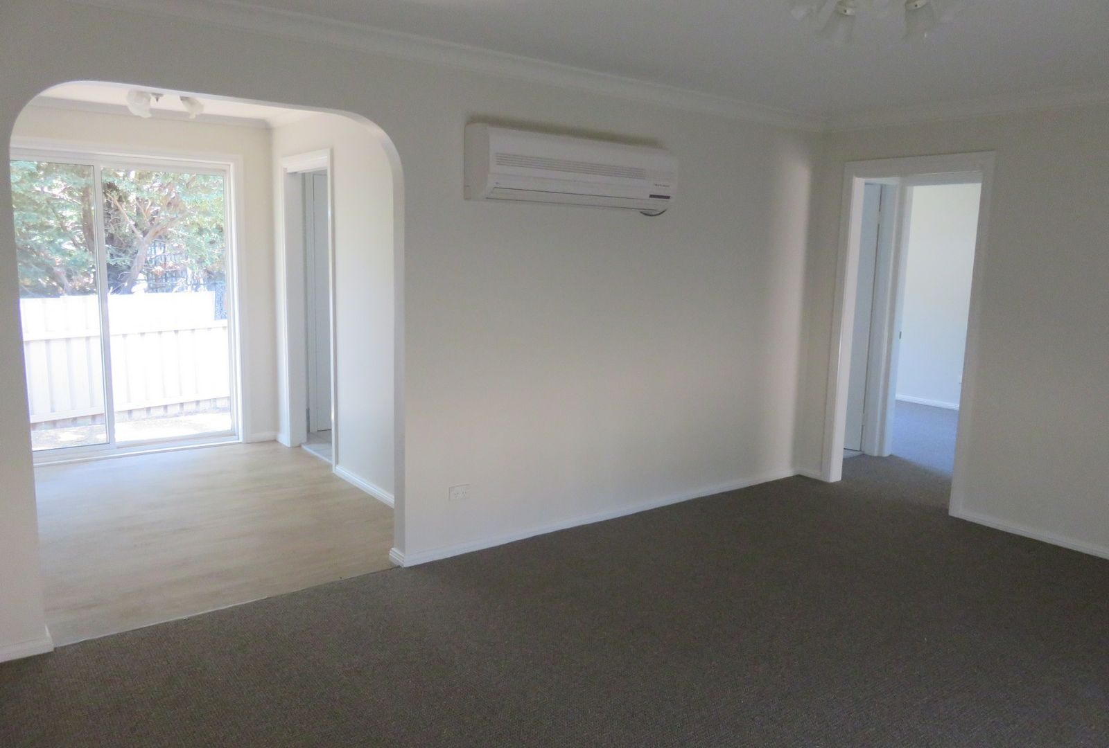 5/42 Lamilla Street, Glenfield Park NSW 2650, Image 2