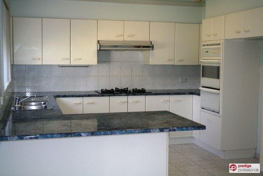 9 Glenrock Court, Wattle Grove NSW 2173, Image 1