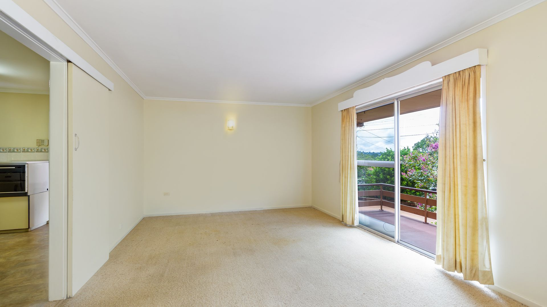 27 Mott Crescent, Rockville QLD 4350, Image 2