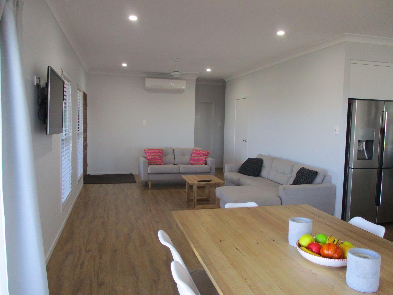 5 Parame Court, Nikenbah QLD 4655, Image 2
