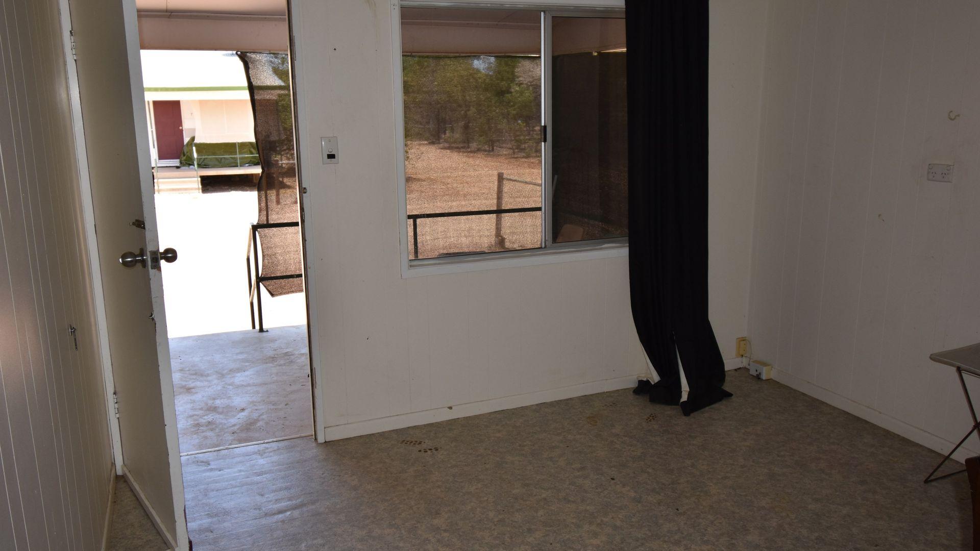 8/129 Cassowary Street, Longreach QLD 4730, Image 1