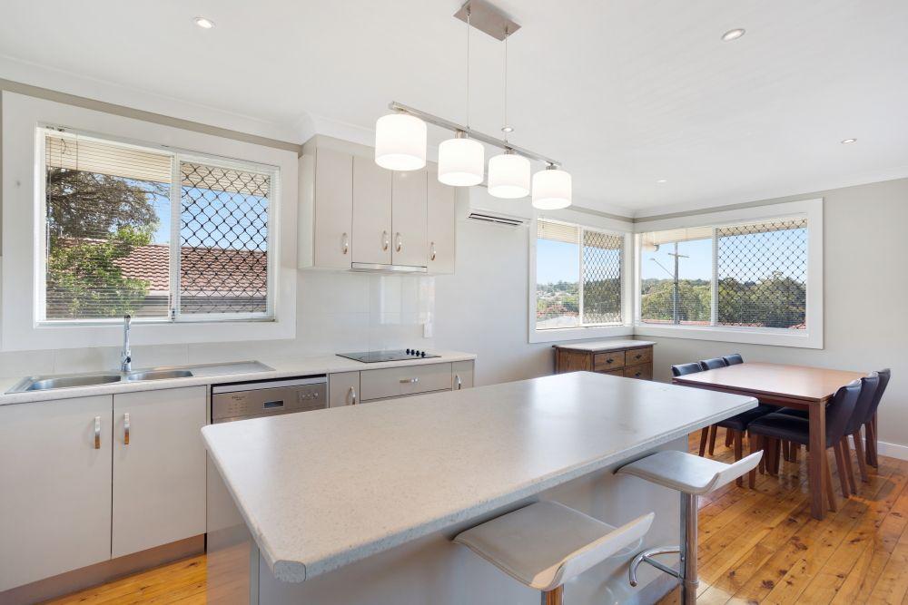 11 Skehan Street, Centenary Heights QLD 4350, Image 2