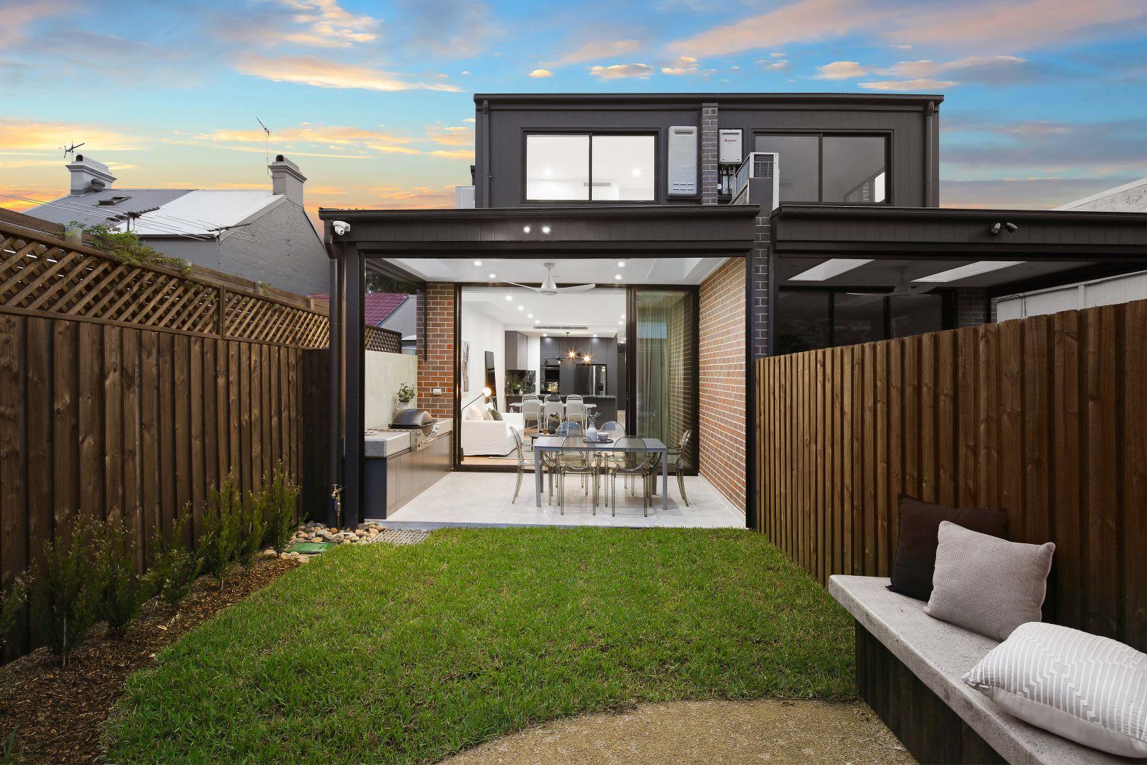 28 Commodore Street, Newtown NSW 2042, Image 1