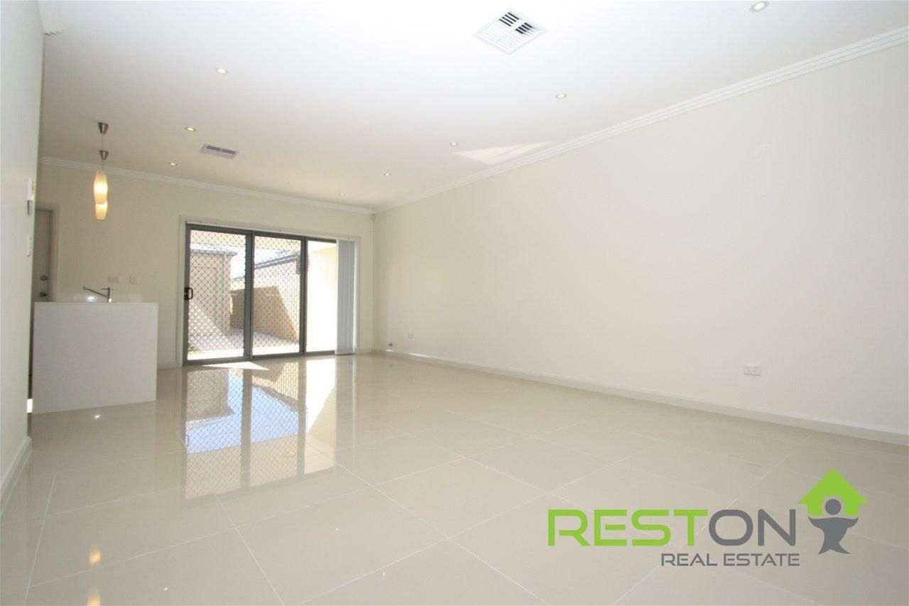 126 Lakeview Drive, Cranebrook NSW 2749, Image 2