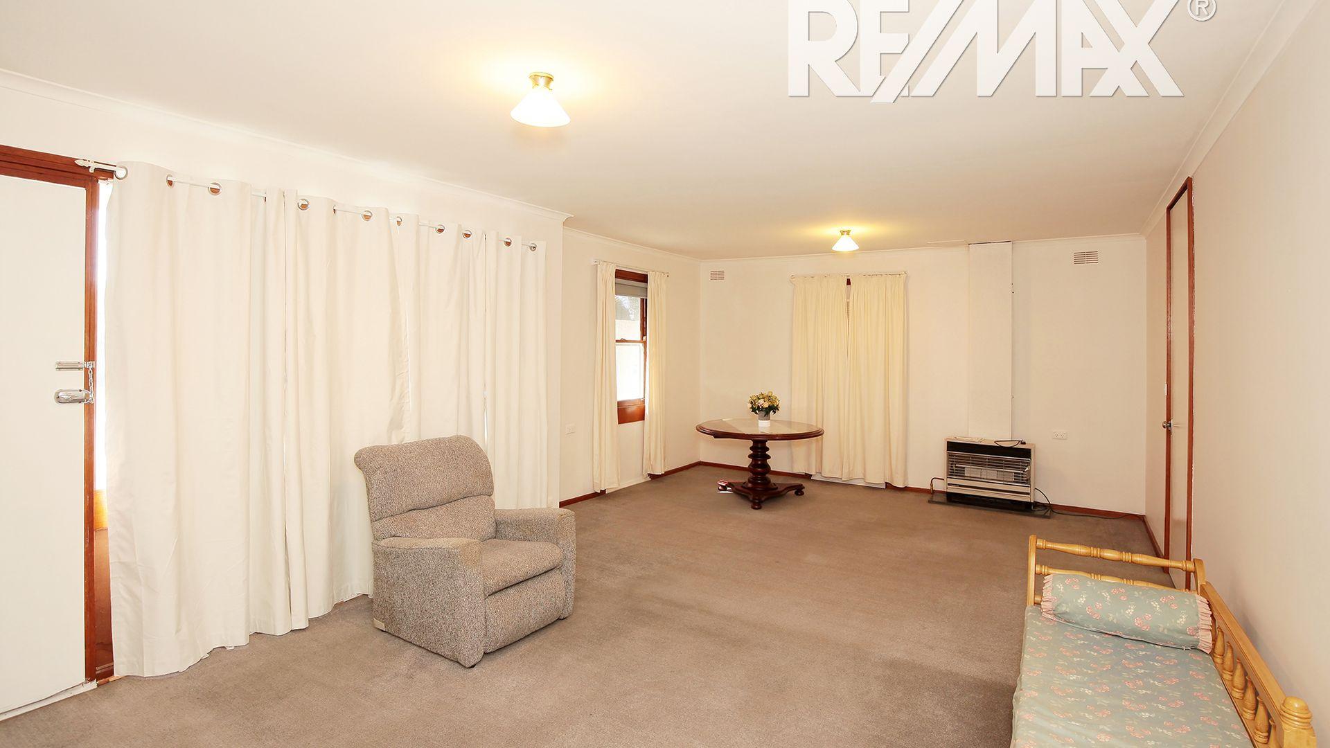 31 Ziegler Avenue, Kooringal NSW 2650, Image 1