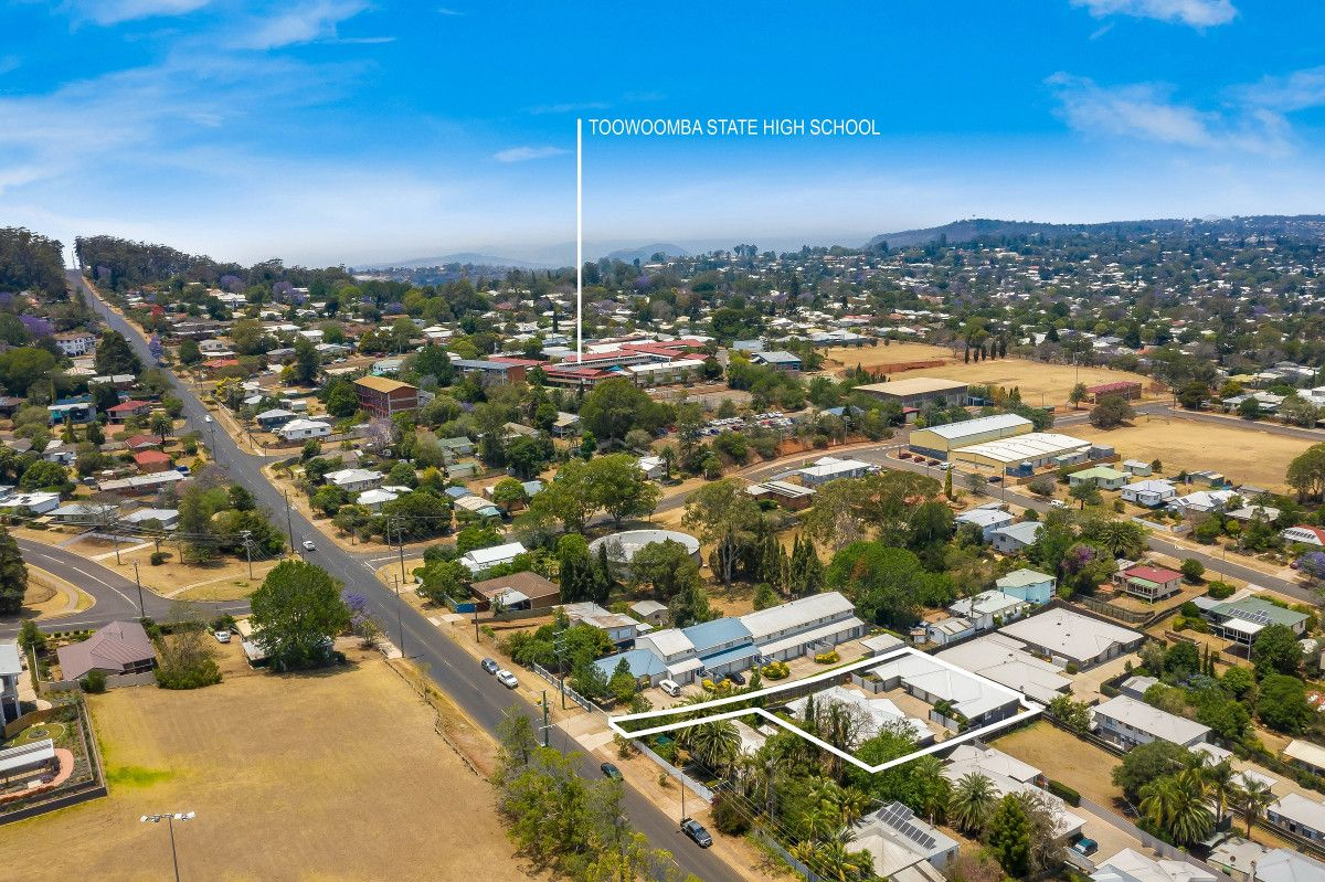 1-4/90a North Street, North Toowoomba QLD 4350, Image 1