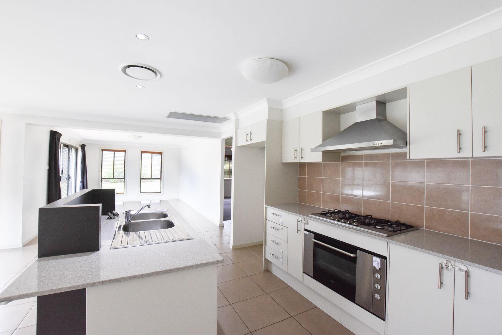 5 De Lauret Street, Renwick NSW 2575, Image 1