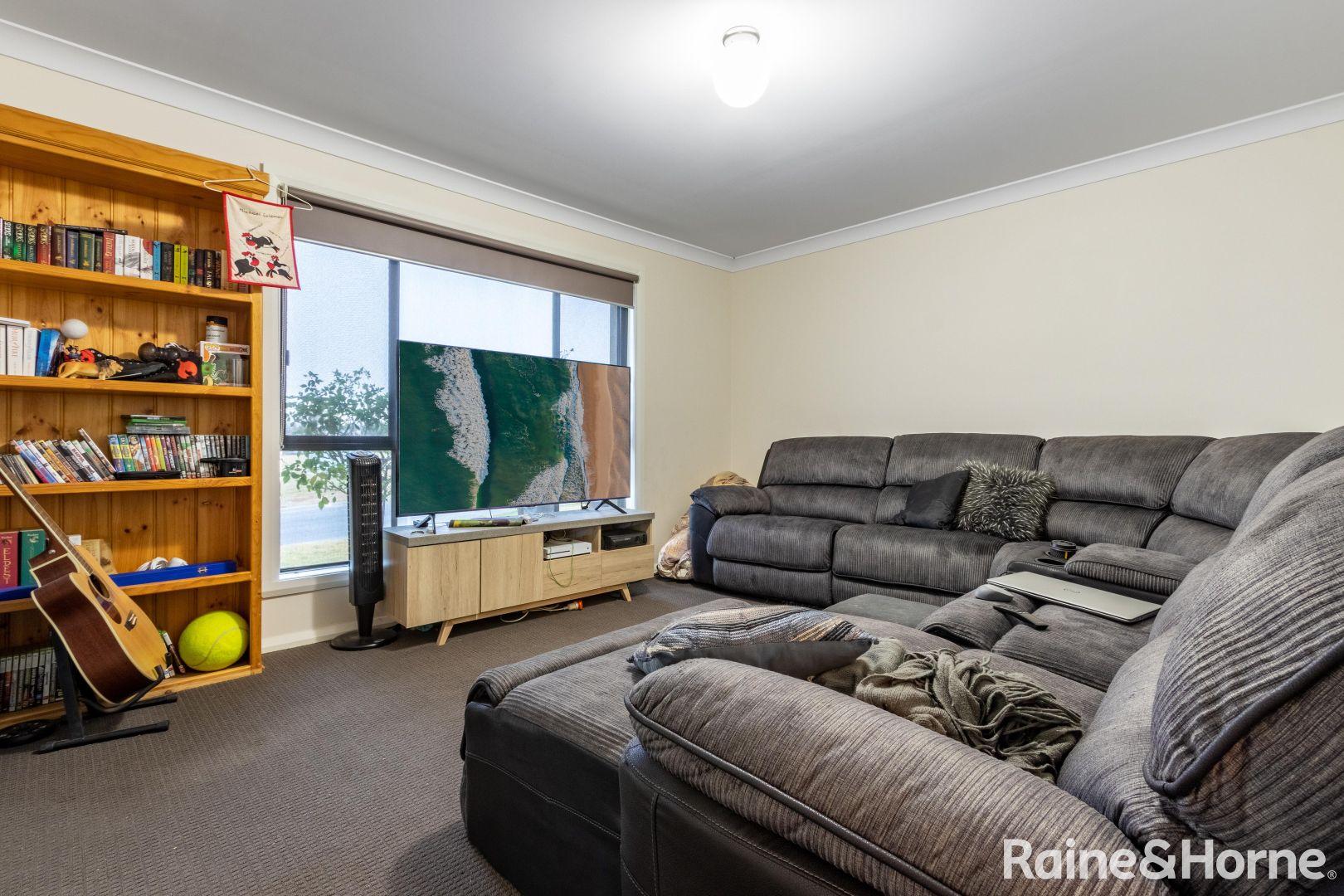 14 Wellesley Court, Raglan NSW 2795, Image 1