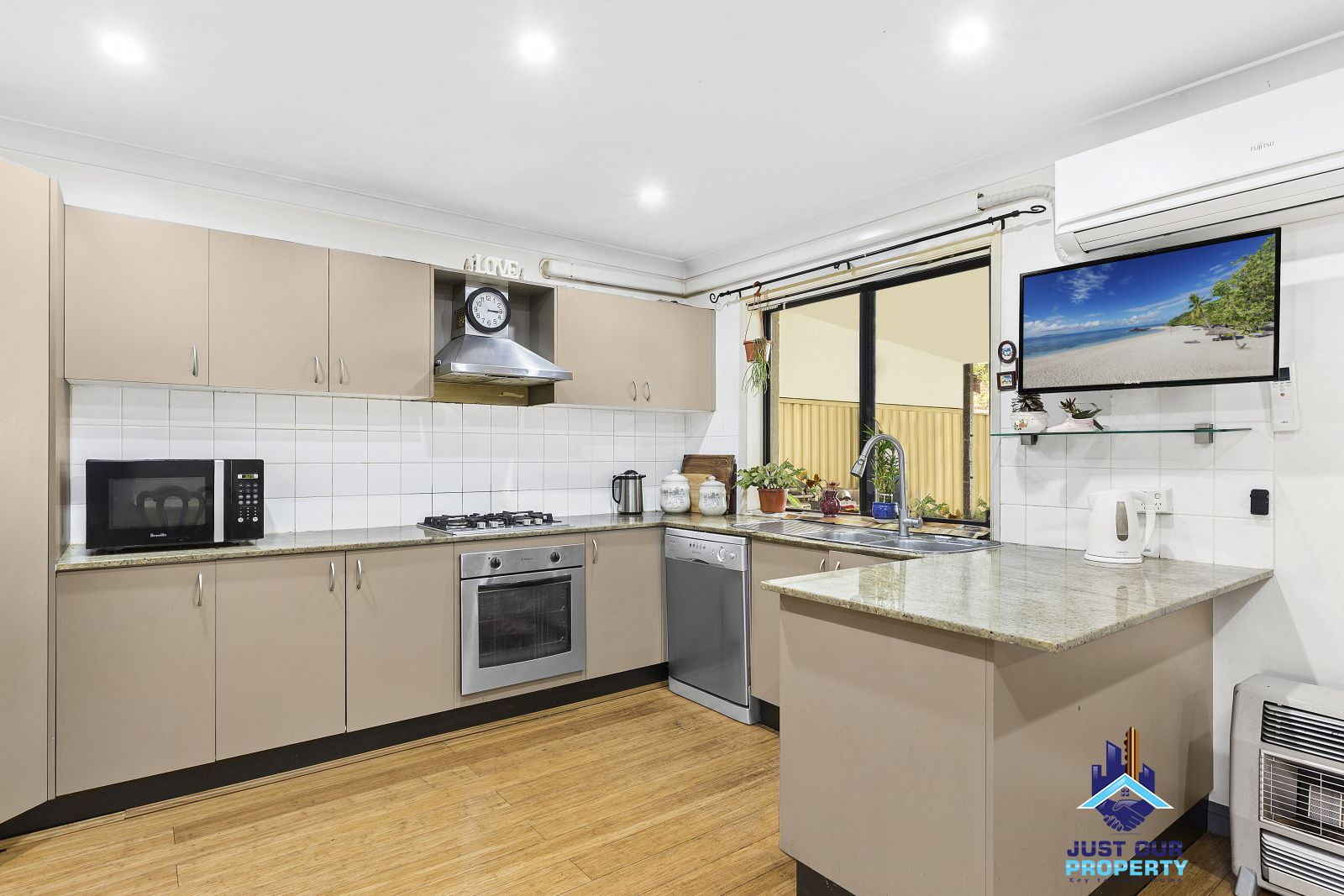 11 Leader Street, Padstow NSW 2211, Image 2