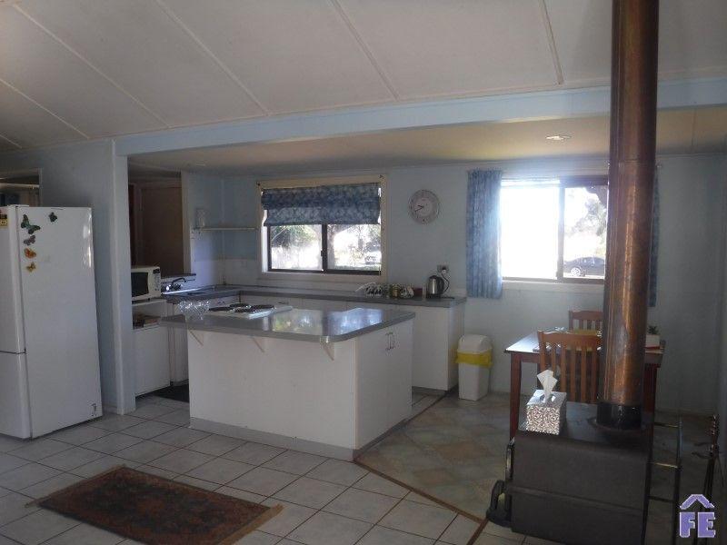 216 Siefert Street, Crawford QLD 4610, Image 2