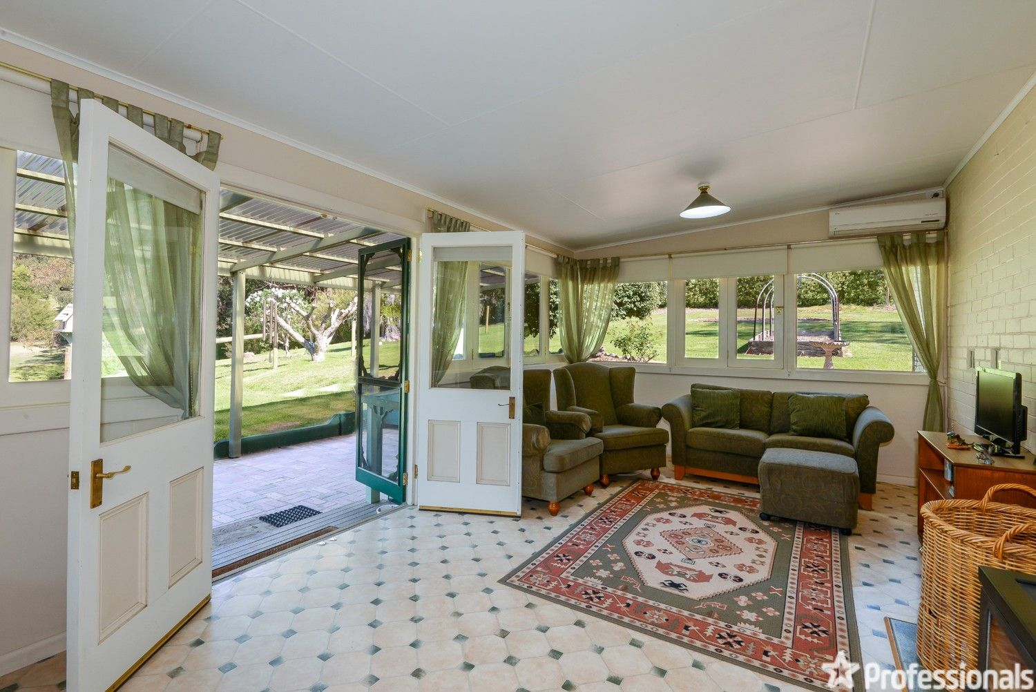 55 Gardenhill Road, Launching Place VIC 3139, Image 2
