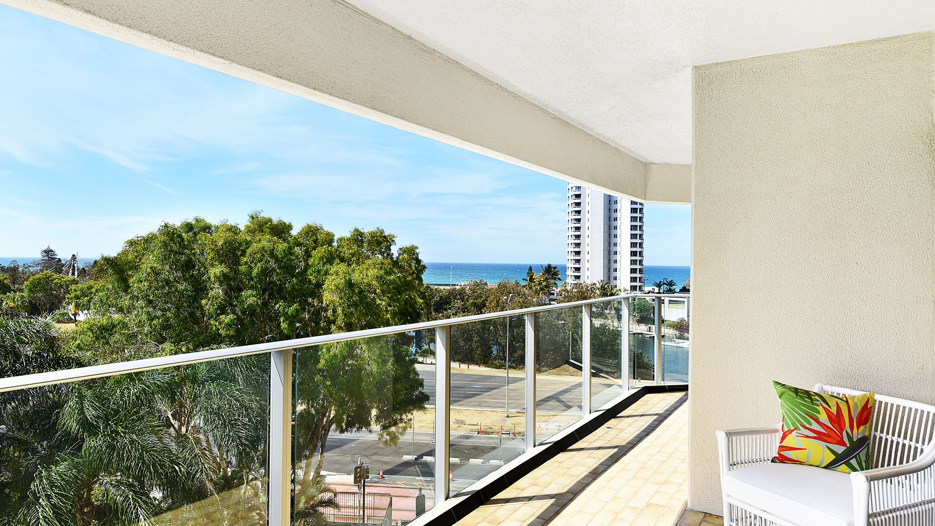 """21/2 """"Atlantis East"""" Admiralty Drive, Paradise Waters QLD 4217, Image 1"""