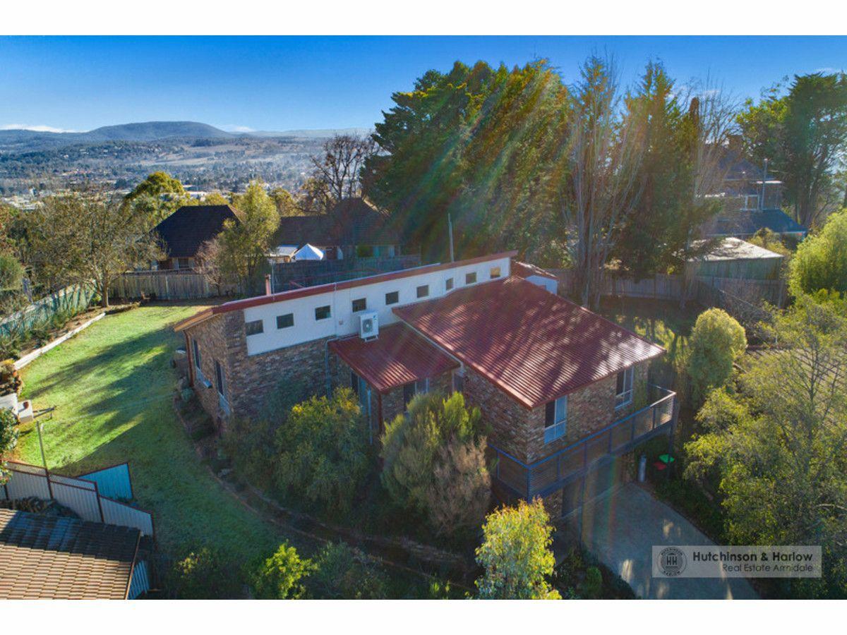 18 Napier Court, Armidale NSW 2350, Image 0