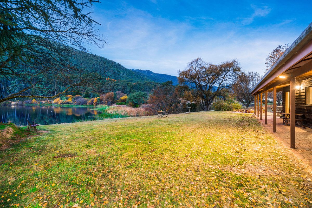 83 Great Alpine Road, Harrietville VIC 3741, Image 2