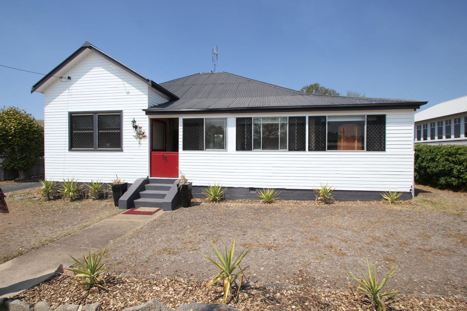 15 Molesworth Street, Tenterfield NSW 2372, Image 0