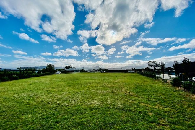 Picture of 19 Diana Drive, SPRING FLAT NSW 2850