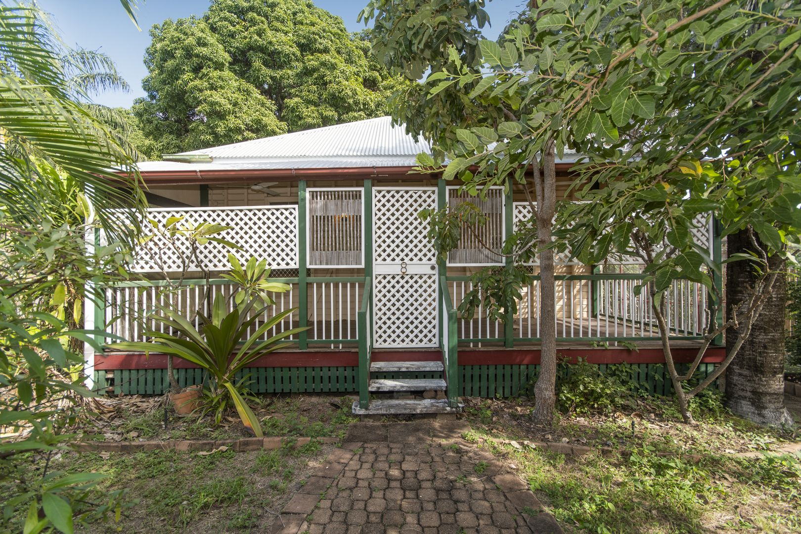 8 Plant Street, West End QLD 4810, Image 0