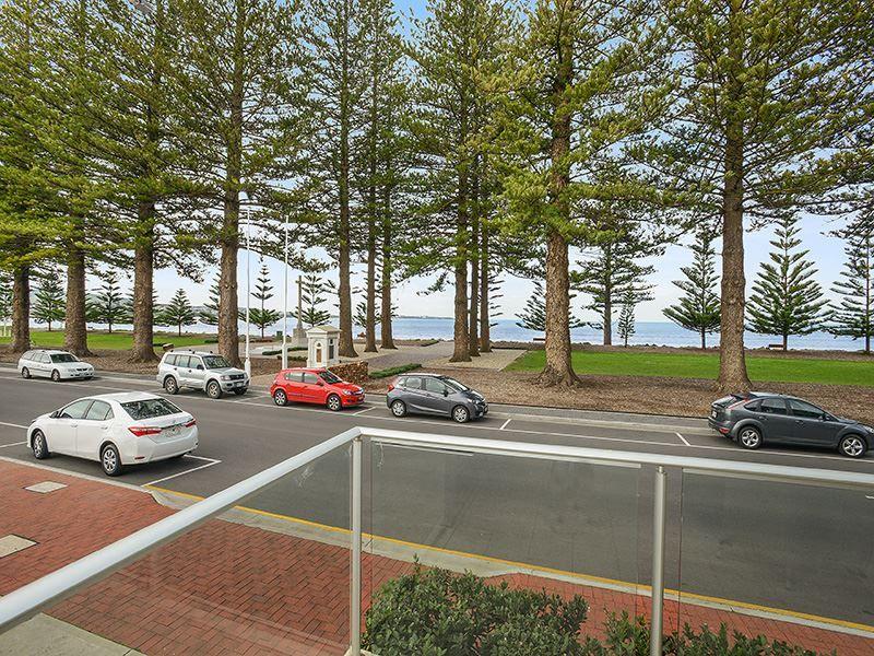11/2-5 Flinders Parade, Victor Harbor SA 5211, Image 2