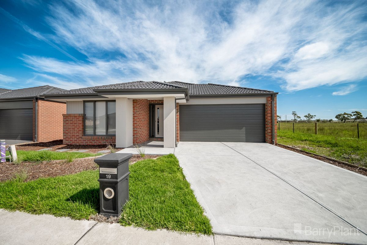 19 Eliza Terrace, Officer VIC 3809, Image 0