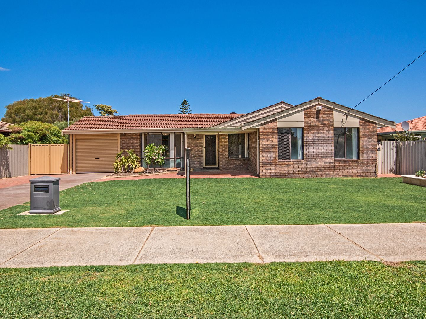 40 Breaden Rd, Cooloongup WA 6168, Image 0