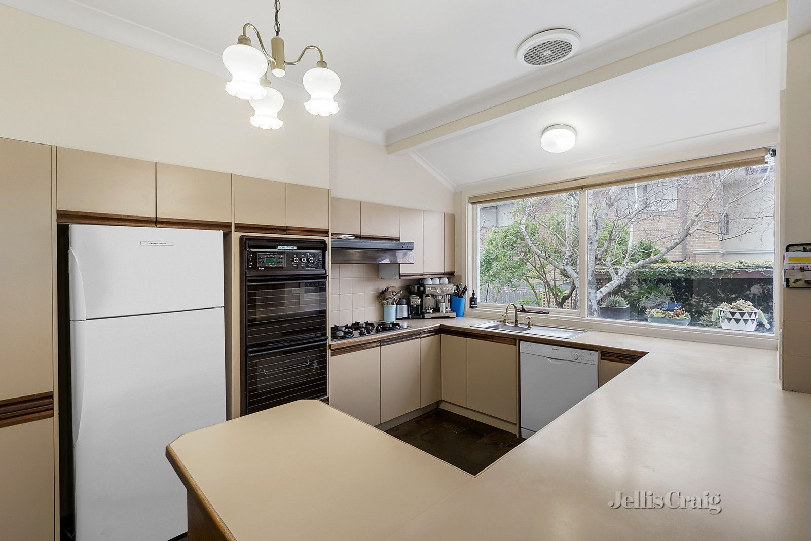 30 Outlook Drive, Camberwell VIC 3124, Image 2