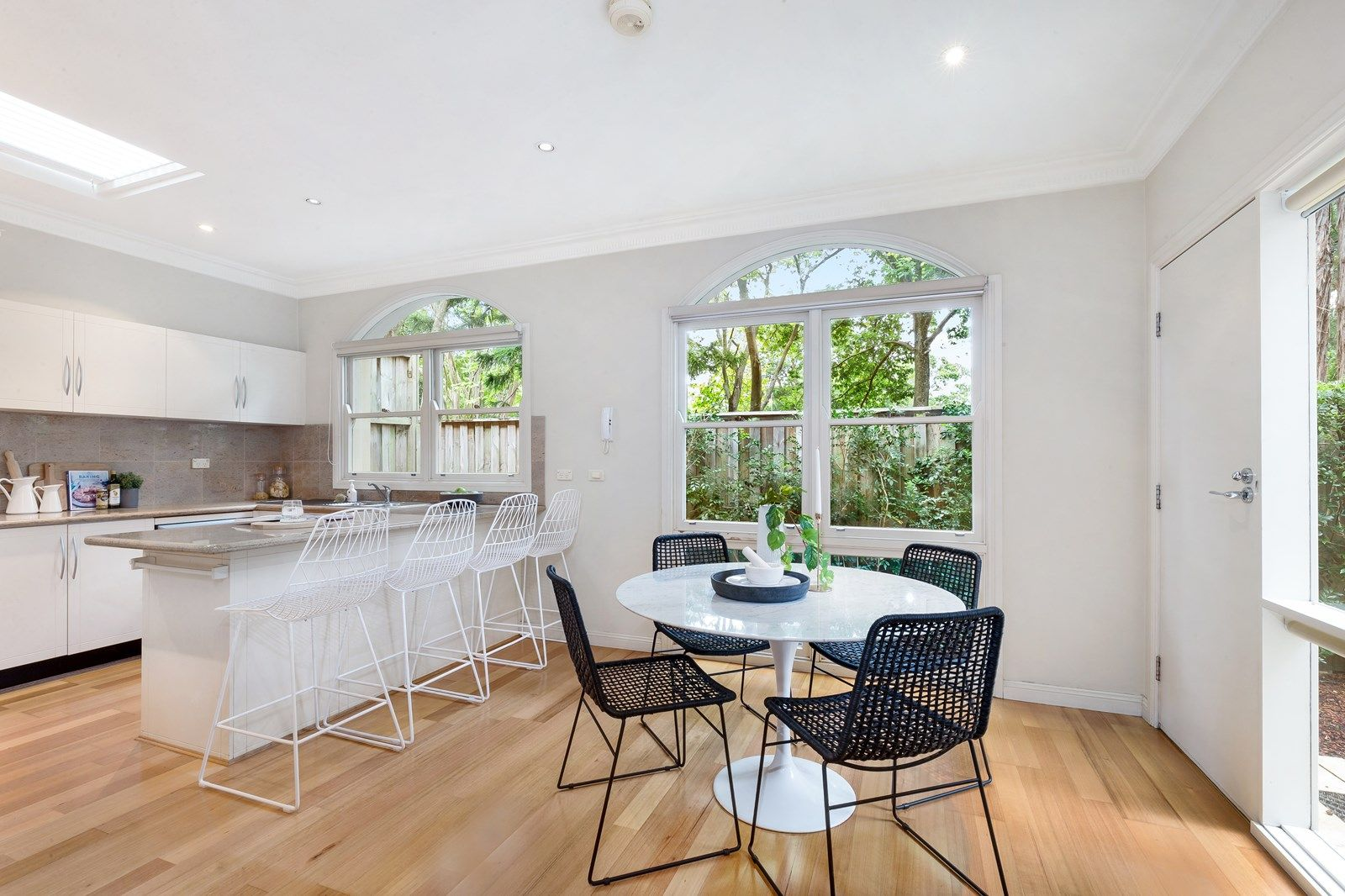2/16 Woonona Avenue, Wahroonga NSW 2076, Image 2