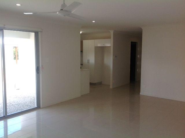 1/4 Lloyd Street, Beerwah QLD 4519, Image 2
