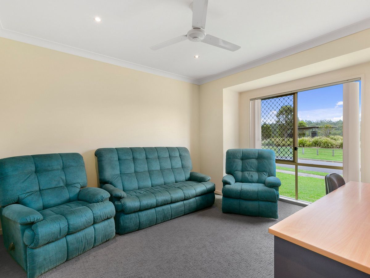 14 Kadie Place, Pacific Pines QLD 4211, Image 2