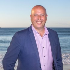 Damien Smith, Sales Associate