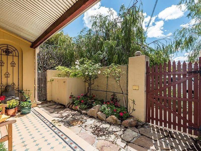 23 Price Street, Fremantle WA 6160, Image 2